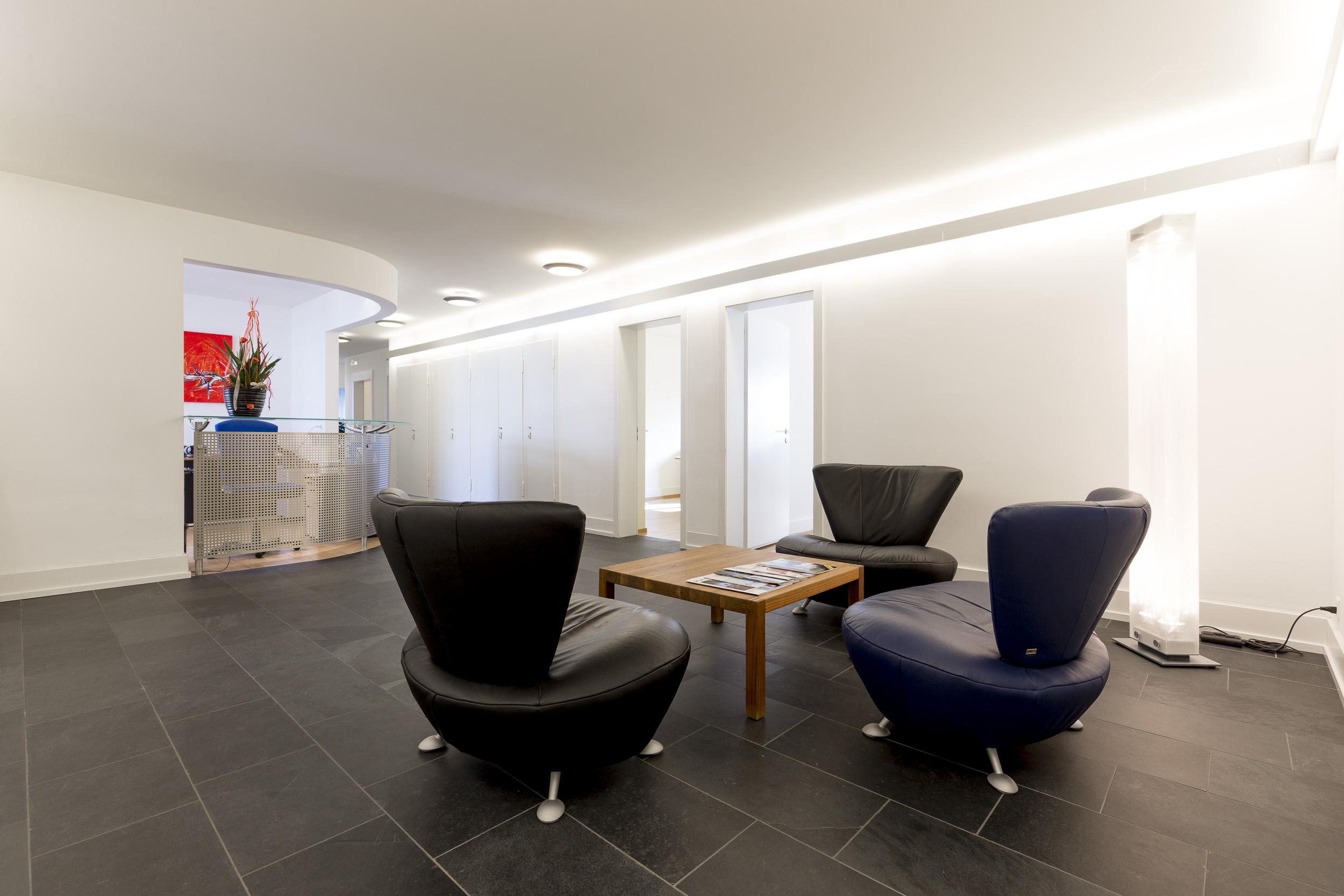 eingangsbereich 1 swisspersonal. Black Bedroom Furniture Sets. Home Design Ideas
